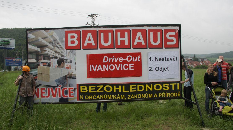 Vedení úřadů může zabránit nezákonné výstavbě BAUHAUSu v Ivanovicích