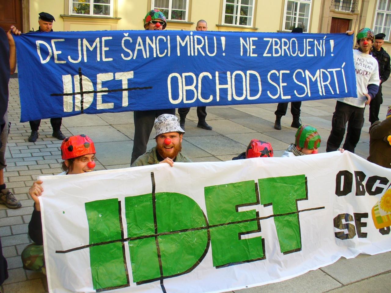 Lidská práva na obtíž – IDET 2007