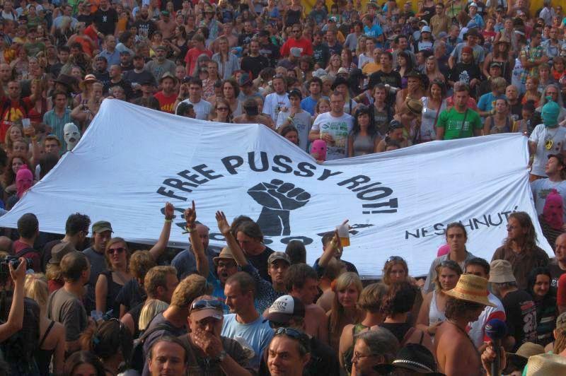 Trutnovský festival vyjádřil podporu Pussy Riot