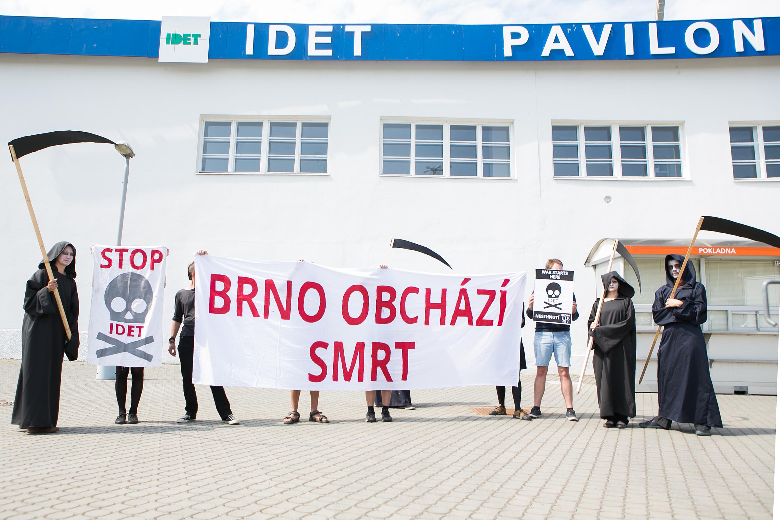 IDET 2015 – protest proti zbrojařskému veletrhu v Brně