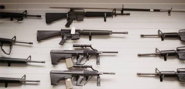 Český obchod se zbraněmi – diktátorům s láskou