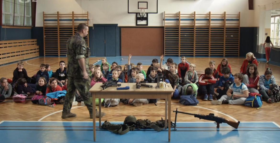 20. 11. Týden proti militarizaci mládeže: Výchova k válce (film+diskuze)